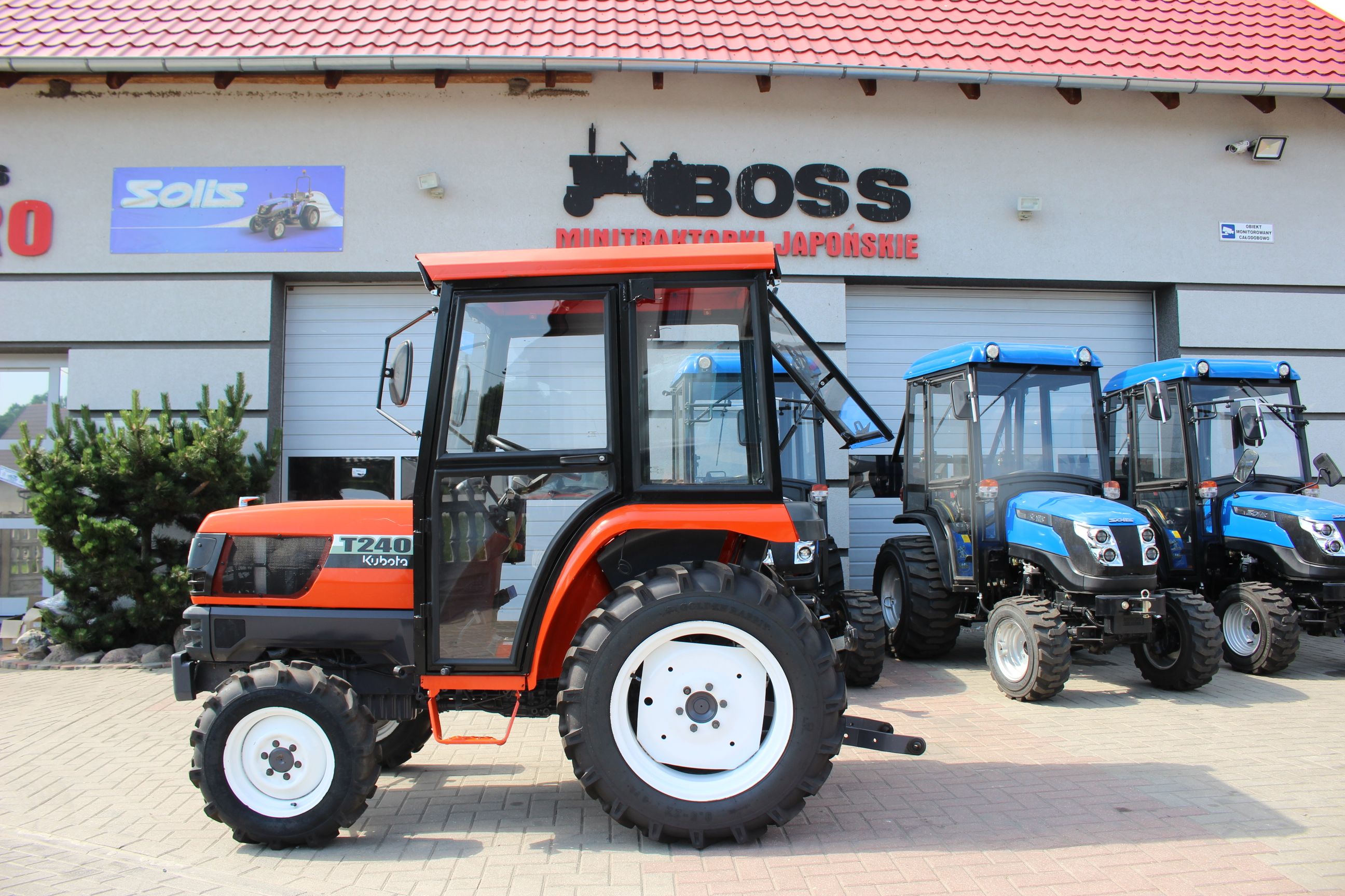 03 NOWY MODEL Kubota T240DT